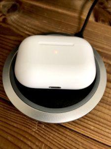 AirPods Proワイヤレス充電中